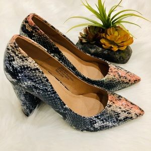 Shoes - 5⭐️SNAKE POINTED TOE PUMP HEEL SHOES